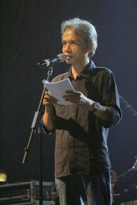 [Joglitfest] Joko Pinurbo membacakan puisin Khong Guan di Grand Opening Festival Sastra Yogyakarta
