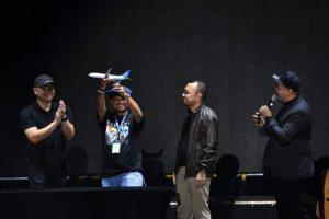 "Dalam ""Westlife The Twenty Tour"" Borobudur Symphony Para Personil Westlife Membikin Menangis Shinta -Gadis Bali"