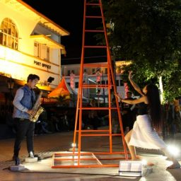 Performing Art Merespons Patung-Patung Jogja Street Sculpture Project